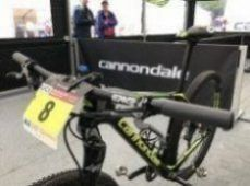 Teamová kola F-Si s Lefty Ocho Cannondale Factory Racing Teamu